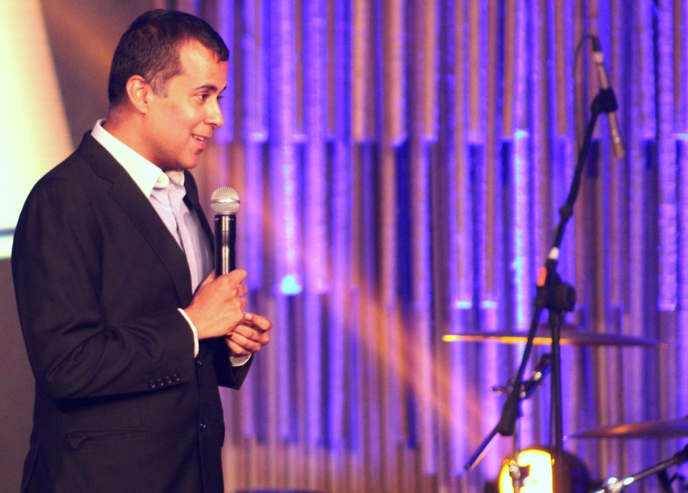 talk to tiger chetan bhagat likes music.JPG